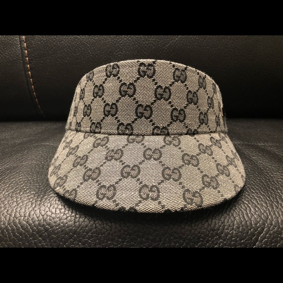 c24f771e89c Gucci Other - Unisex Gucci visor hat